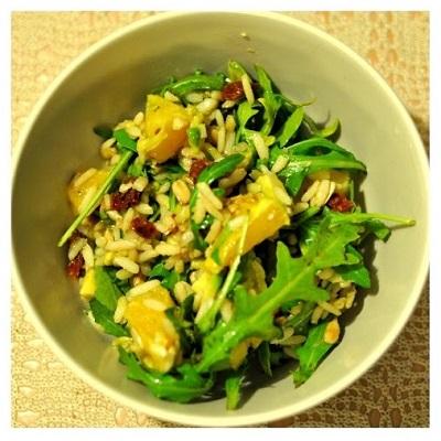 Sałatka z dzikiego ryżu, kukurydzy i awokado
