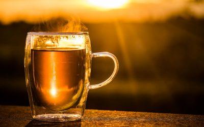 Ta herbatka leczy Hashimoto, fibromialgię, tocznia, zapalenie stawów
